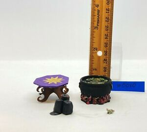 Dollhouse miniature 1/12th scale Halloween collection #0010