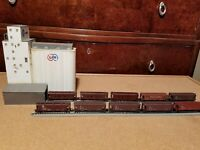 (10) N scale ATSF, SantaFe and Southern Pacific covered hopper lot