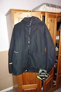 Dakine Black Balkan Snowboarding Jacket