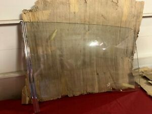 NOS 67-69 PLYMOUTH BARRACUDA DOOR GLASS RH MOPAR