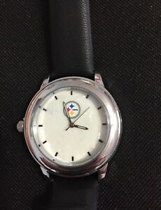PITTSBURGH STEELERS WATCH WITH REPLACEABLE BANDS NEW W/OUT TAGS