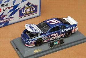 Revell 16177 Chevrolet Lowes / Special Olympics NASCAR 1998 1:43 MIB