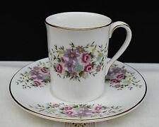 """Edle Porzellan Mokkatasse Royal Doulton England """" Blumendekor """" !!! Nr.289"""