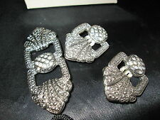 VINTAGE AVON BOLD ROMANCE PIN AND  CLIP EARRINGS SET *NEW IN ONE BOX* 1991 RARE