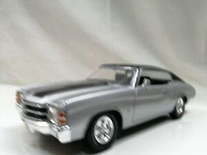 maisto 1/18 1971 CHEVROLET CHEVELLE Silver Classic Muscle car replica