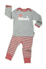 Bonds Brand Girls 2 piece Top and Pens RRP27.50 size 0  in a gift packs