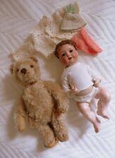 Alte Pupe Porzellankopf Franz Schmidt und alter Teddybär