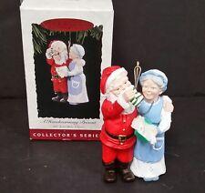 A Handwarming Present Mr. and Mrs. Claus1994 Hallmark Keepsake Ornament #9 NIB