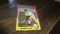 1975 TOPPS #  485 SPARKY LYLE  BASEBALL CARD