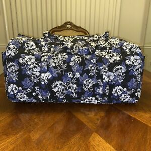 NWT Vera Bradley Large Traveler Duffel In Frosted  Floral