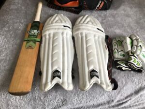 G&M Cricket Bat And Set With Holdall