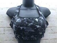 Athleta Seamless Sports Bra Size Medium Floral Design Black Gray