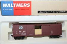 WALTHERS HO SCALE SANTA FE 40' WOOD BOX CAR W/ GRAIN DOORS #126508 (932-2121)