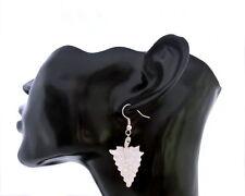 Weinkönigin Ohrringe aus Perlmutt, weiß Weintraube Handarbeit Naturmaterial