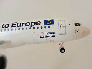Lufthansa Airbus A320 1/200 Herpa 559997 A320 New Colours Say Yes To Europe