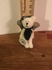 """Boyds Bears Twiddle T F Wuzzie Black White Ornament Wings RTD 2.5"""" Tall"""