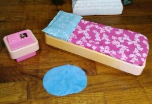 Vintage 1977 Barbie Dream House Furniture Bed Rug Night Stand Pillow