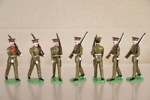 DUCAL SOLDIERS ROYAL GREEN JACKETS INFANTRY of the LINE soldiers MARCHING x 7 of