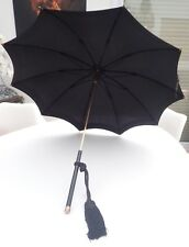 Parapluie vintage lucienne Lalé rue des martyrs paris 9ème