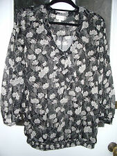 Smart Pussy Bow Black / White Floral Print Blouse Size 18 by East