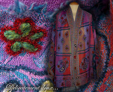 Beau châle 100% laine motif brodé coloris rose et violet - CH59