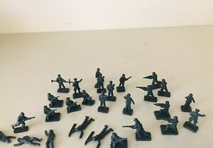 AIRFIX/ECSI/REVELL GERMAN INFANTRY - HO - LOT Of 25 FIGURES - VERY GOOD MUST SEE