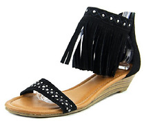 Minnetonka Savona Women's Sandal, Black, Size US 5, EUR 36, MSRP $65