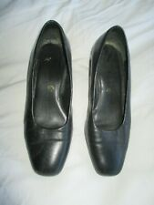 Genuine Vintage 80's black leather shoes, size 4.1/2