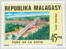 MADAGASCAR MALAGASY 1975 740 524 Sofia Brücke Bridge Architektur Baukunst MNH