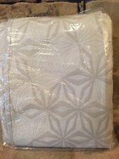 RARE WEST ELM ORGANIC COTTON STAR MATELASSE FULL/QUEEN DUVET STONE WHITE GRAY