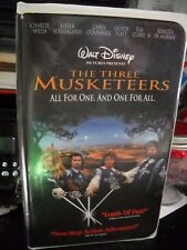 WALT DISNEY The Three Musketeers (VHS, 1994, CLAM SHELL)