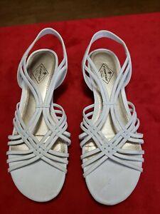 St John's Bay Women's White Strap Sandals Size 8.5M Excellent Shape.