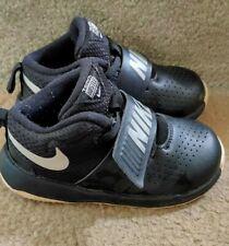 Nike Team Hustle 8 Toddler Sneakers Shoes Sz US8 EUC