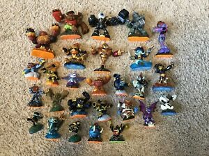 SKYLANDERS XBOX 360 GAME+PORTAL OF POWER+27 FIGURES+CARRYING CASE SWAP FORCE LOT