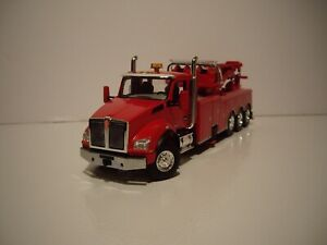 FIRST GEAR 1/50 RED TRI-AXLE KENWORTH T880 WITH CENTURY 1060 ROTATOR WRECKER
