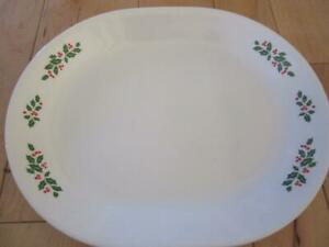 """CORNING CORELLE WINTER HOLLY 12 1/4"""" OVAL SERVING PLATTER RED BERRIES LEAVES"""