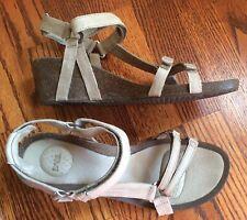 10 M TEVA 1015119 Beige Lt Taupe Tan Leather Wedge Slingback Sandals YSIDRO