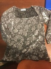 Wrapper Girls Shirt, size Large (10-12) Silver Gray Floral Design Velvety Materi