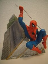 "Marvel & Hamilton Spider-Man ""On The Prowl"" Statue Mib by Diamond Select Toys"