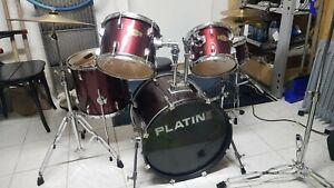 Schlagzeug gebraucht . Platin Drums Metronom, Kuhglocke,Sticks, Hocker, Übungpad
