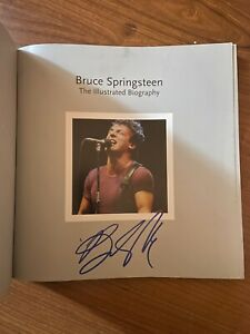 Bruce Springsteen signed The Illustrated Biography Book Rare Photography