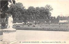 BG26340 jardins demi lune en avant du tapis vert  versailles  france