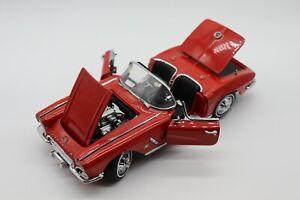 1:24 Danbury Mint 1962 Chevrolet Corvette Convertible w/Hardtop Diecast Car