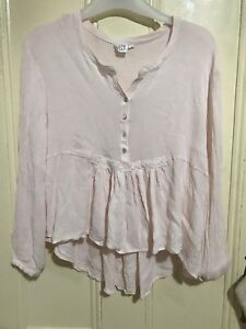 Some days lovin' pink top size S