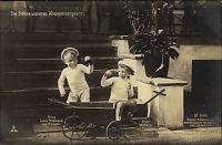 Adel Monarchie ca. 1910 Prinz Louis Ferdinand von Preussen mit Schubkarre Kinder