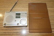 Grundig Radio Jachtboy 50 mit Hülle  . Weltempfänger klein 13 cm