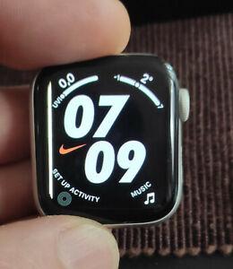 Apple Watch Nike 4 40mm Silver 16GB