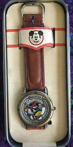 Walt Disney Mens Vintage Mickey Mouse Golfing Wrist Watch - Limited Edition NIB