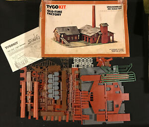 HO Scale Trains Buildings and Accessories Bundle TYCO LIFE LIKE BACHMAN