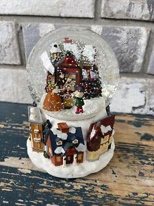 "Christmas Carolers, Snow Globe Music Box,  Musical Windup Plays ""Silent Night"""